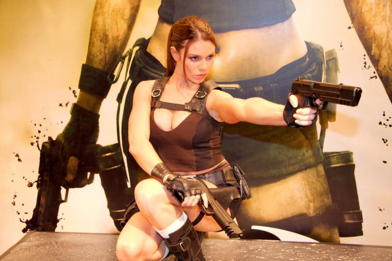 https://www.tombraidercz.cz/images/preview/zajimavosti-alison-carroll-20080926-festival-du-jeu-video-19.jpg